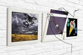 Art Vinyl Display in action
